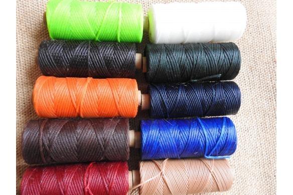 coloris vert, noir, orange, marron, rouge, blanc, vert foncé, bleu, bleu électrique, beige