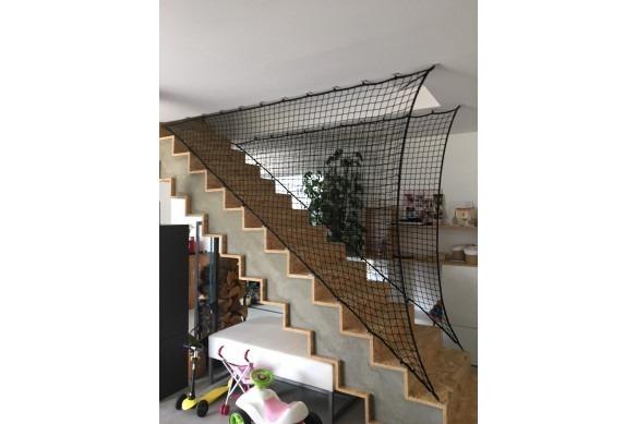 Filets noir pour garde corps escalier