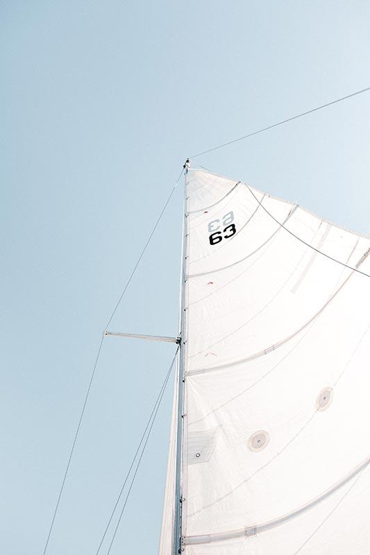 drisse et voile d'un bateau